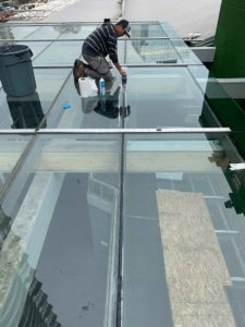 rooftop-extreme-glass